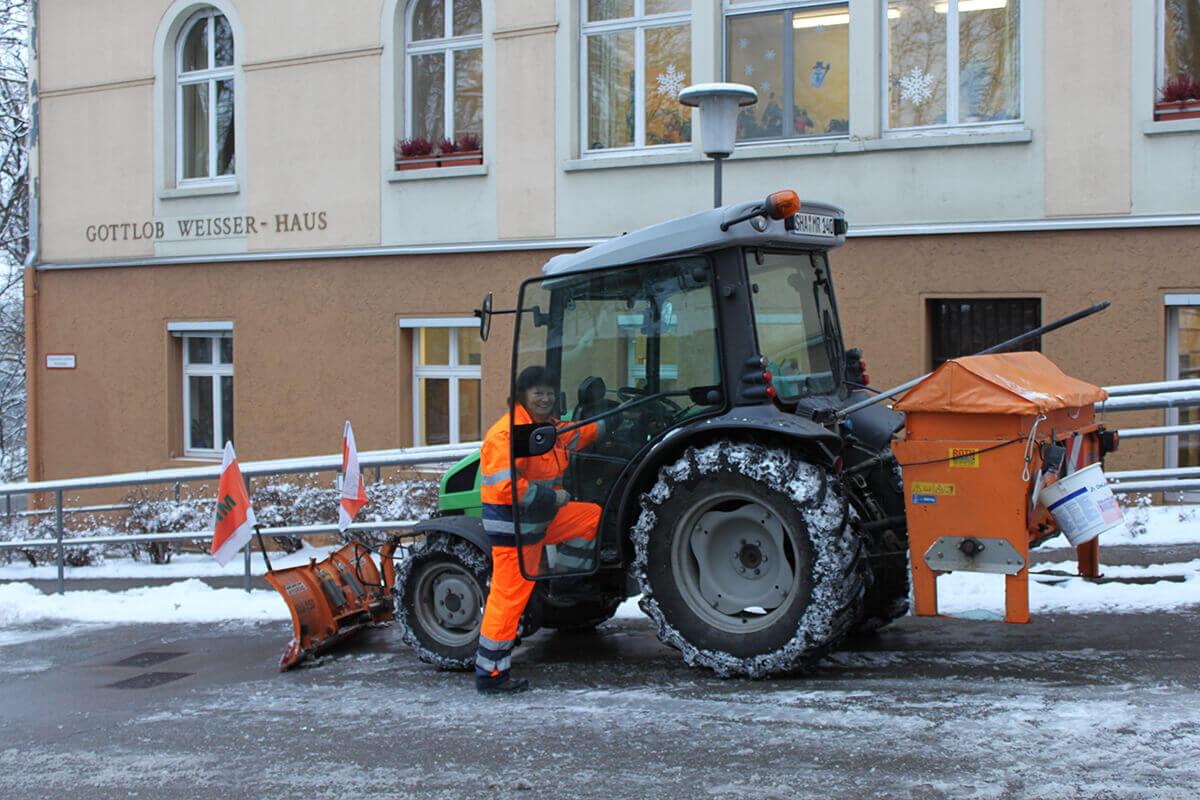 Winterdienst  Winterdienst - Maschinen- und Betriebshilfsring Schwäbisch Hall e.V.